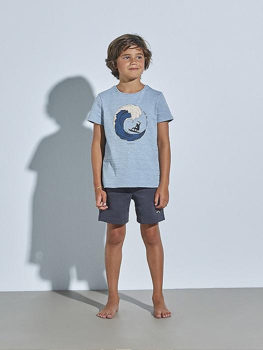 Look de niño con pantalón corto y camiseta azul Conjunto con peto vaquero para niña nueva colección Nanos