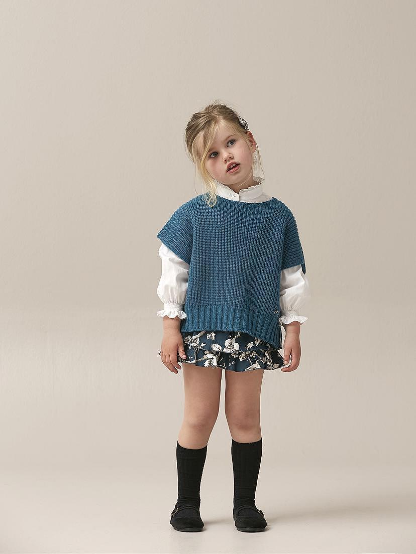 Conjunto Nanos de niña con poncho
