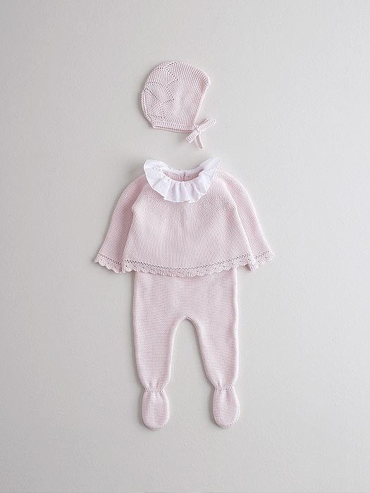 Conjunto de capota, jubón y polaina rosa en consejos para bebes Nanos