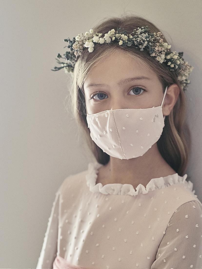 Tendencias 2021 con mascarilla ceremonia niña Nanos