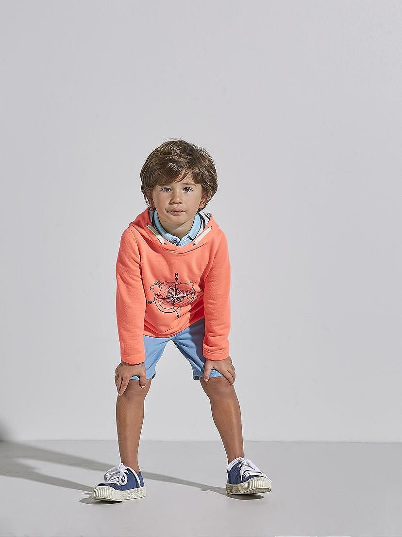 Combinación de sudadera y pantalón corto Nanos Look de vestido de verano Nanos para ir a la playa