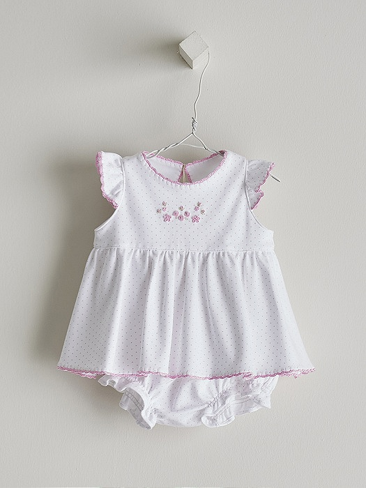 Conjunto detalles rosa en consejos para bebes